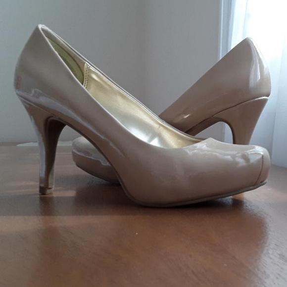 Candie's Shoes - Candie's Cavanessa Nude Pumps